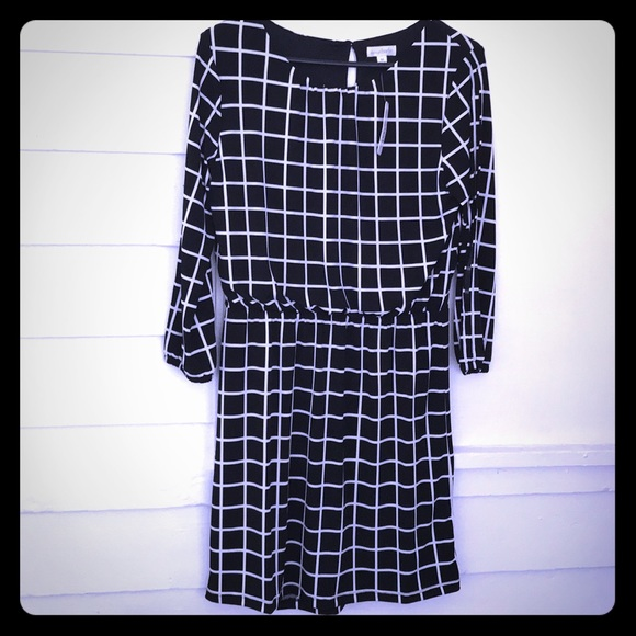 Charming Charlie Dresses & Skirts - 5/$20 Charming Charlie blouson dress 3/4 sleeve M
